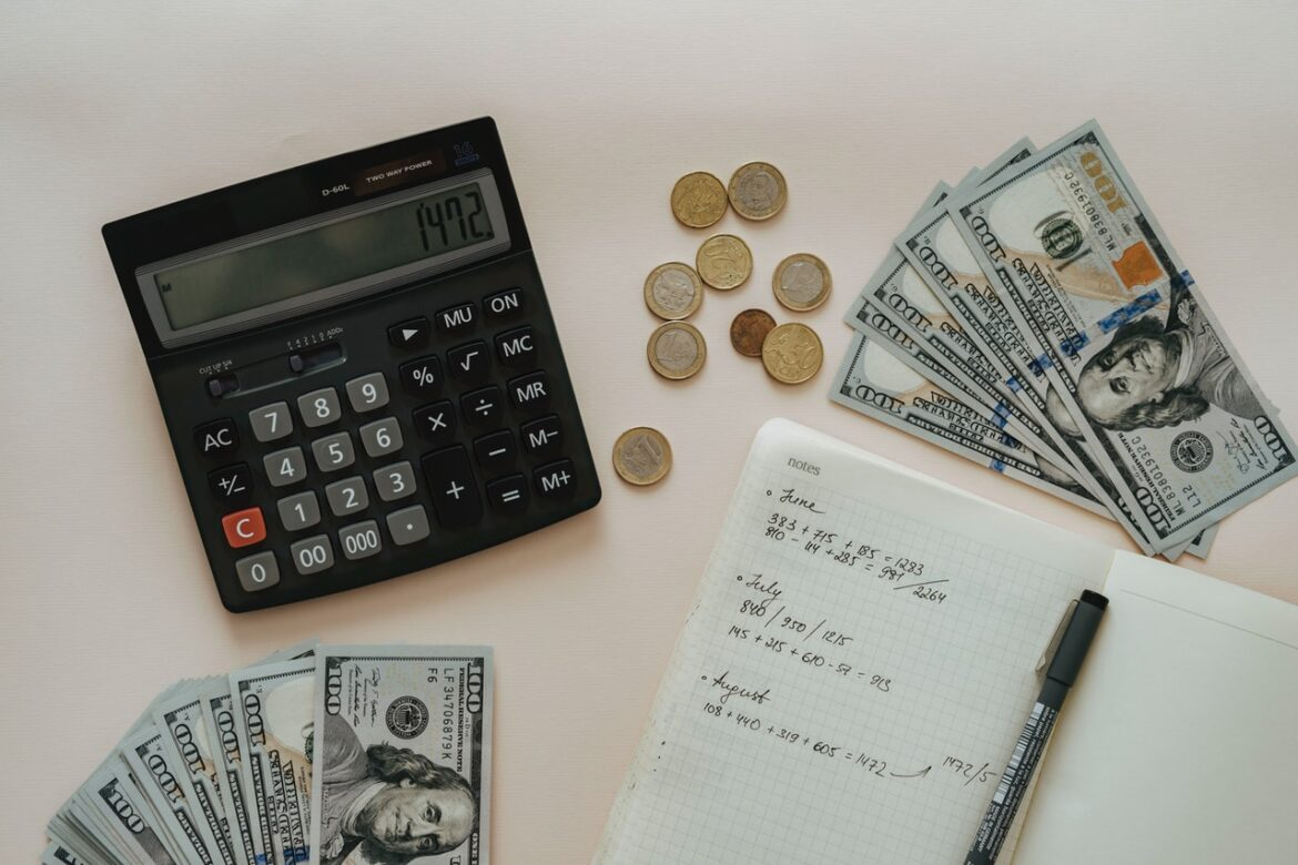 5 Ways Bookkeeping and Accounting Outsourcing Services to Improve Business