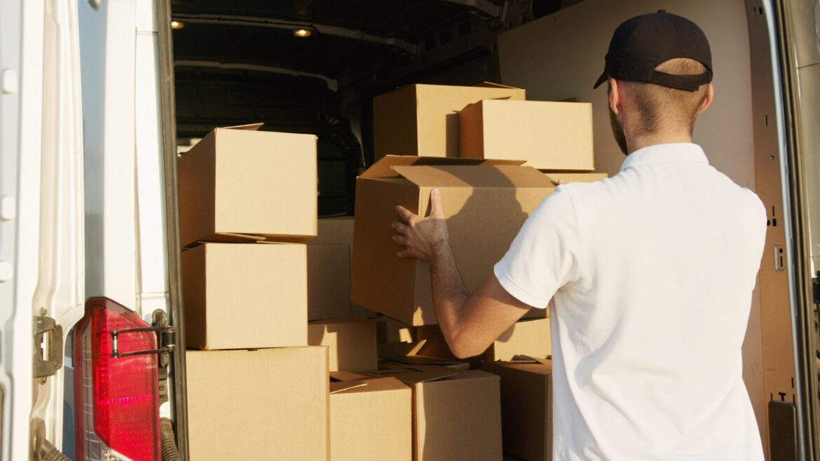 Know these Huge Advances while Moving your Resources in Gurgaon