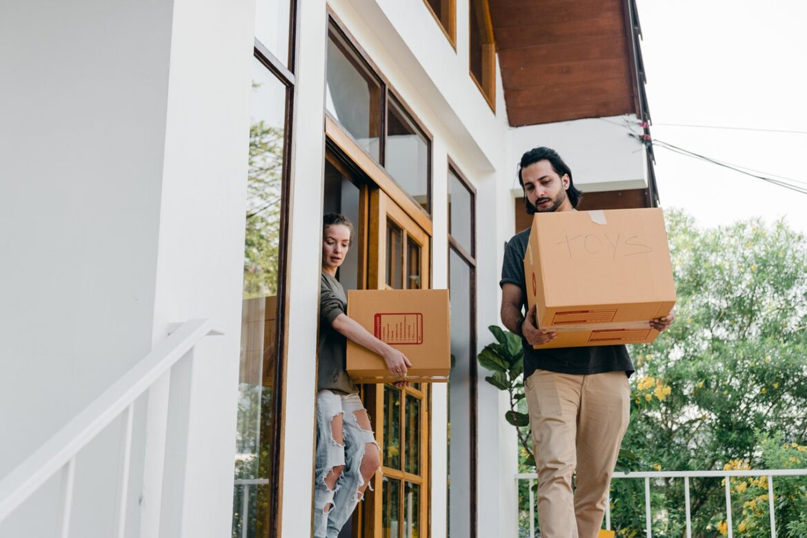 GUIDELINES TO OPT PACKERS AND MOVERS FOR RELOCATION OF YOUR HOME AND BUSINESS