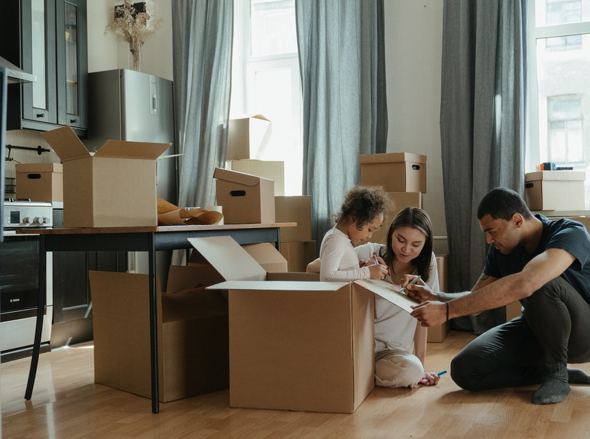 COMMON MISTAKES MOST PEOPLE MAKE BEFORE MOVING
